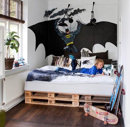 Kinderzimmer mit palettenbed