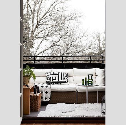Kleine gemütliche Balkon