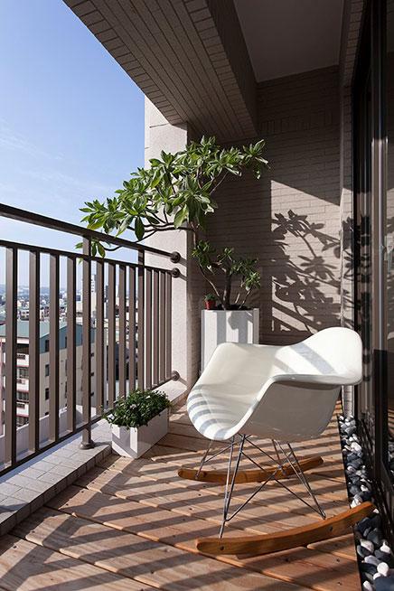 Kleine balkon vor dem Wohnzimmer
