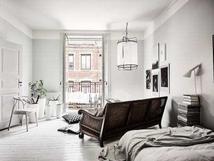 kleine-gemutliche-balkon-holzpaletten (6)
