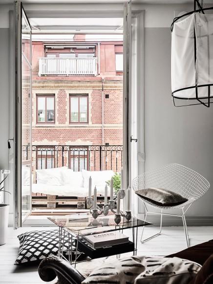 kleine-gemutliche-balkon-holzpaletten (7)