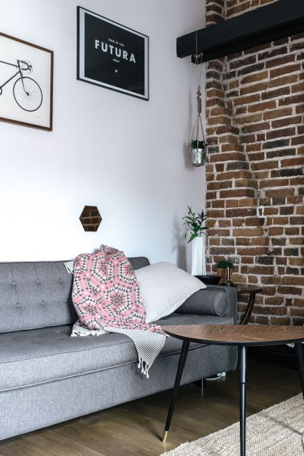 kleinen raum wohnzimmer mit einem harten twist wohnideen einrichten. Black Bedroom Furniture Sets. Home Design Ideas