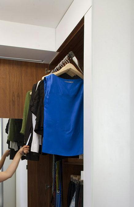 Kompakte begehbaren Kleiderschrank von kleinen Wohnung in New York