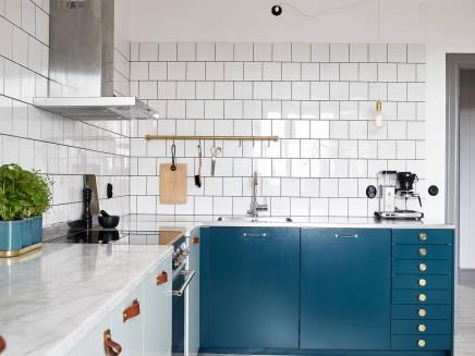k che in mintgr n und petrolblau wohnideen einrichten. Black Bedroom Furniture Sets. Home Design Ideas