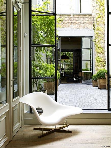 La Chaise von Charles und Ray Eames
