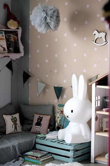 leseecke f r die kinder wohnideen einrichten. Black Bedroom Furniture Sets. Home Design Ideas