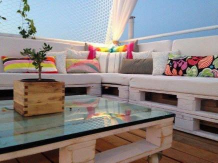 lounge auf dem dach mit holzpaletten wohnideen einrichten. Black Bedroom Furniture Sets. Home Design Ideas