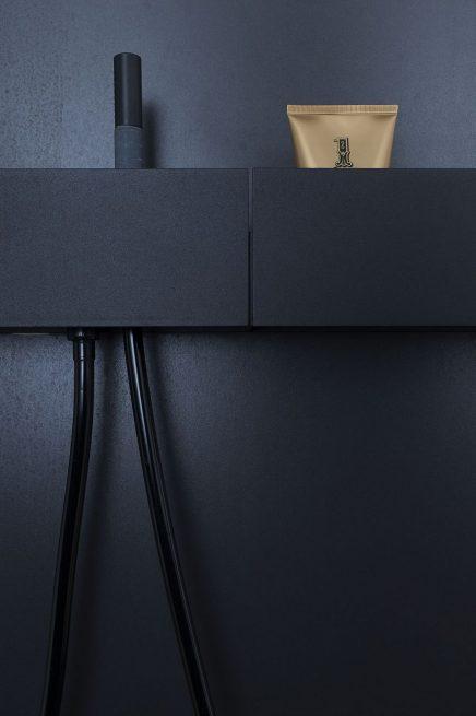 luxus-kombination-aus-begehbaren-kleiderschrank-und-bad-von-studio-niels-12