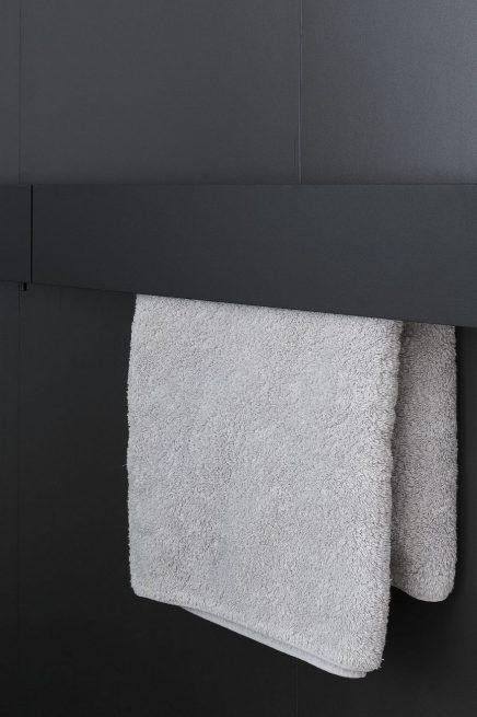 luxus-kombination-aus-begehbaren-kleiderschrank-und-bad-von-studio-niels-2