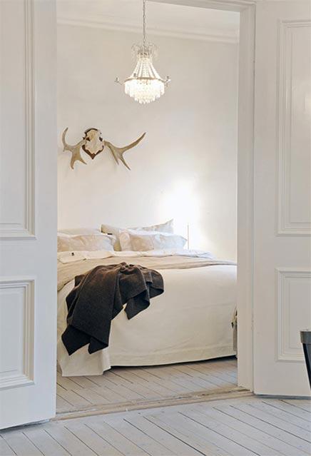 Minimalistische Begehbarer kleiderschrank von Wohnung in Schweden