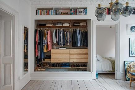 kleiderschrank im wohnzimmer bestseller shop f r m bel und einrichtungen. Black Bedroom Furniture Sets. Home Design Ideas