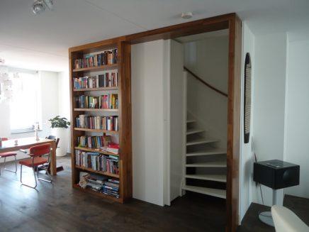 offene treppe mit geschlossener t r wohnideen einrichten. Black Bedroom Furniture Sets. Home Design Ideas
