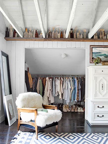 Offenen Begehbarer kleiderschrank im Schlafzimmer