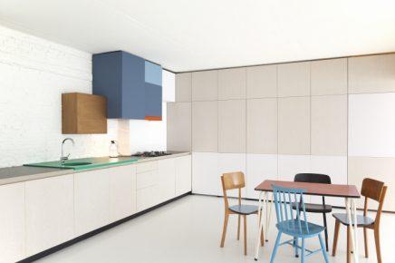 perfekte-kombination-aus-wohnzimmer-arbeitsbereich-und-kuche (3)