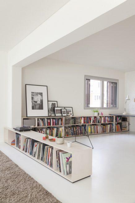 perfekte-kombination-aus-wohnzimmer-arbeitsbereich-und-kuche (6)