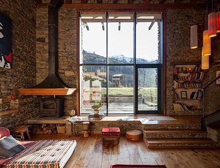 Rustikale Wohnzimmer Eines Renovierten Bauernhauses | Wohnideen