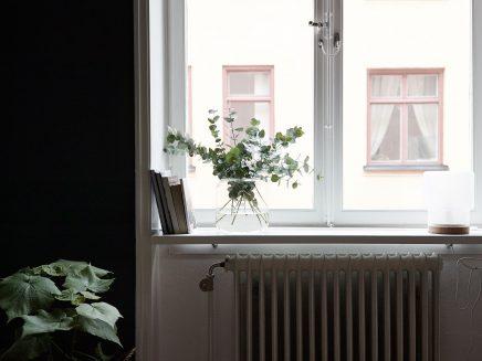 schlafzimmer-blauen-wanden-underlayment-begehbarer-kleiderschrank (1)