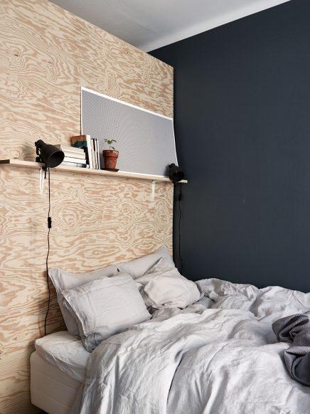 schlafzimmer-blauen-wanden-underlayment-begehbarer-kleiderschrank (2)