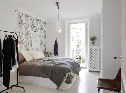 Schlafzimmer mit blumentapete wohnideen einrichten for Papel pintado dormitorio estilo nordico