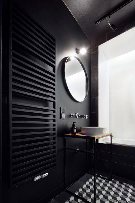 schwarz-badezimmer-beruhmten-kunstwerk-decke (2)