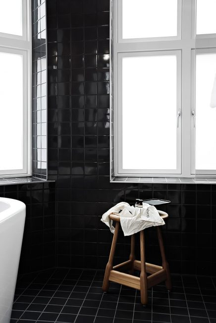 schwarz-weis-bad-comfort-karl-johan-hotels-5