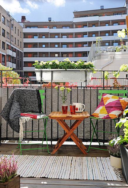 sonnige und gem tliche balkon wohnideen einrichten. Black Bedroom Furniture Sets. Home Design Ideas