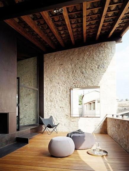 spanisch-balkon-mittelalterliches-herrenhaus (2)