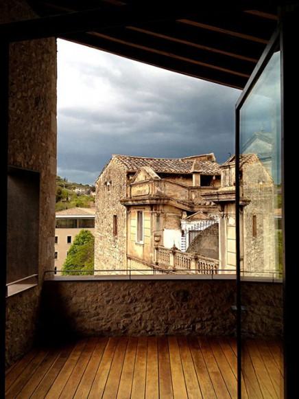spanisch-balkon-mittelalterliches-herrenhaus (3)