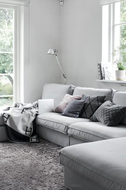 stehlampe in der bank wohnideen einrichten. Black Bedroom Furniture Sets. Home Design Ideas