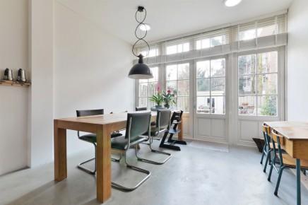 Stilvoll im erdgeschoss haus in amsterdam umgebaut for Haus stilvoll einrichten
