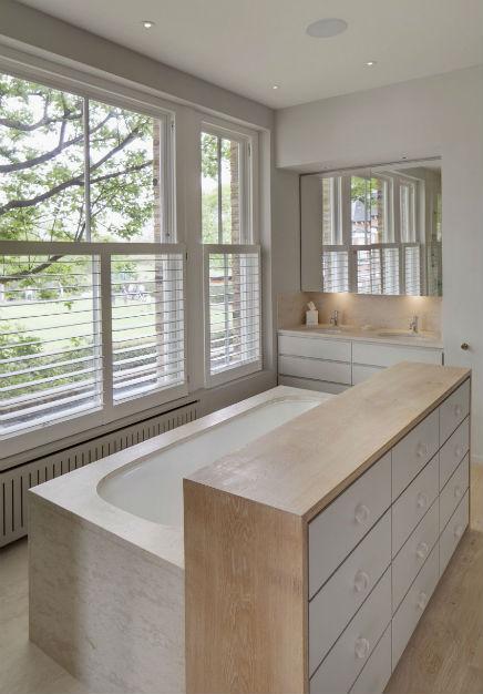 stilvolles-badezimmer-viktorianischen-hause