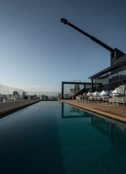 ultra-luxus-dachterrasse-mit-grosem-schwimmbad-5