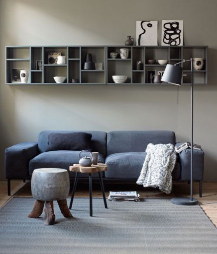 wanddekoration ber dem sofa wohnideen einrichten. Black Bedroom Furniture Sets. Home Design Ideas