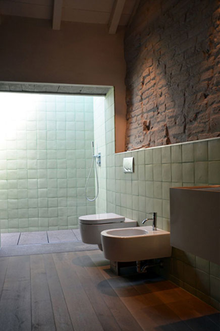 Warme rustikale Badezimmer