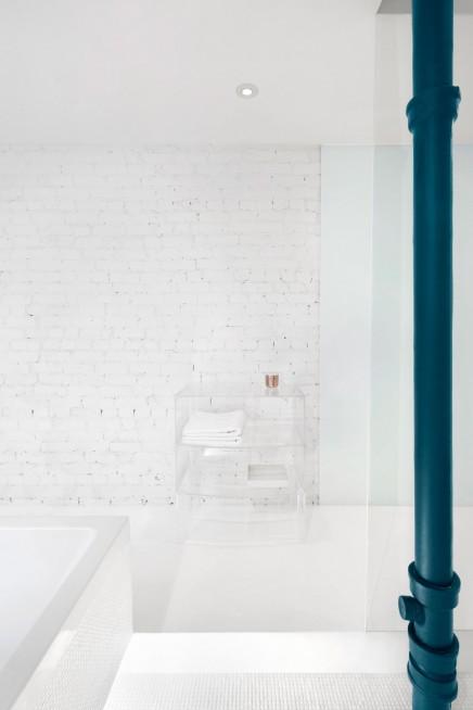 weis-badezimmer-verschiedenen-materialien (2)