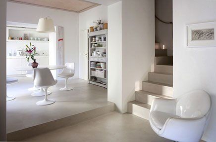 Weiß elegantes einrichtung in Toskana