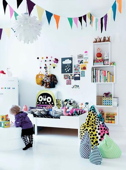 Wies kinderzimmer mit vielen farben