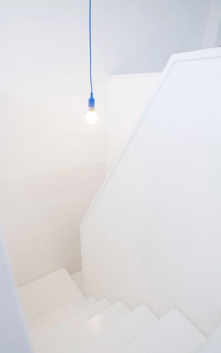 weis-schlafzimmer-badezimmer-kombination-dachgeschoss (2)