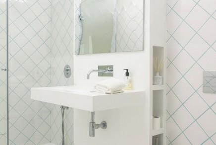 weis-schlafzimmer-badezimmer-kombination-dachgeschoss (3)