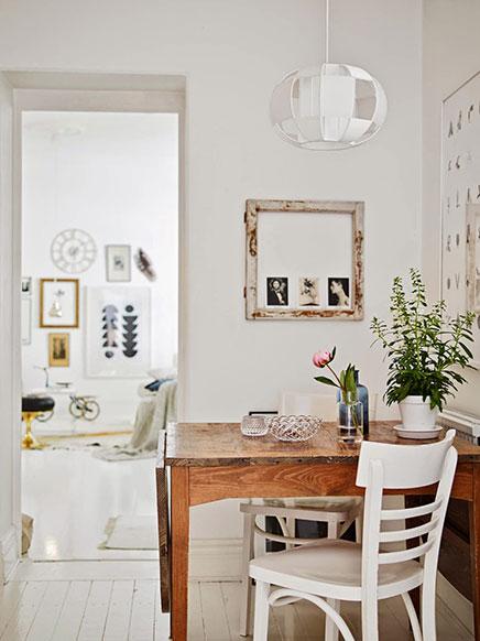 wohnzimmer innenraum mit vintage sitzpl tze wohnideen einrichten. Black Bedroom Furniture Sets. Home Design Ideas