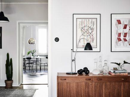 wohnzimmer-mit-einer-mischung-aus-skandinavischen-und-vintage-mobel (8)