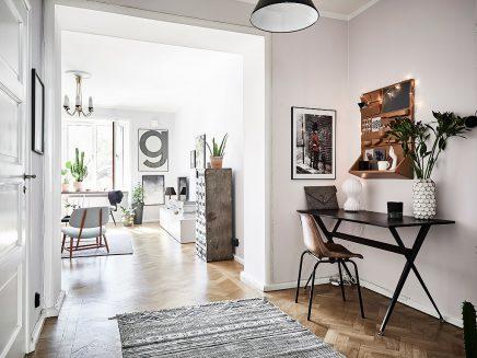 wohnzimmer-mit-einer-mischung-aus-skandinavischen-und-vintage-mobel (9)
