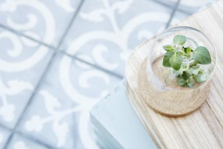 Zementfliesen auf dem balkon wohnideen einrichten - Zementfliesen grau ...